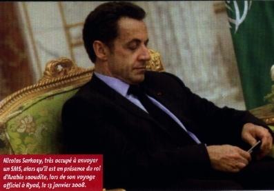 Nicolas Sarkozy envoie un Sms